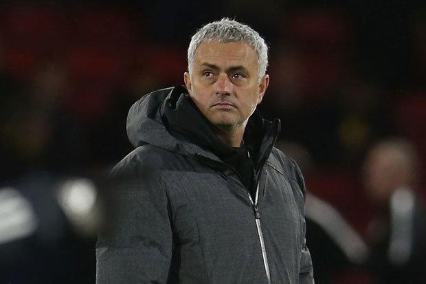 Sếp MU 'đóng băng' Mourinho, 5 mục tiêu 'khẩn' cho Quỷ đỏ