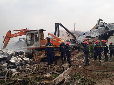 Cháy lớn nhà máy bánh kẹo: Tìm thấy 1 thi thể