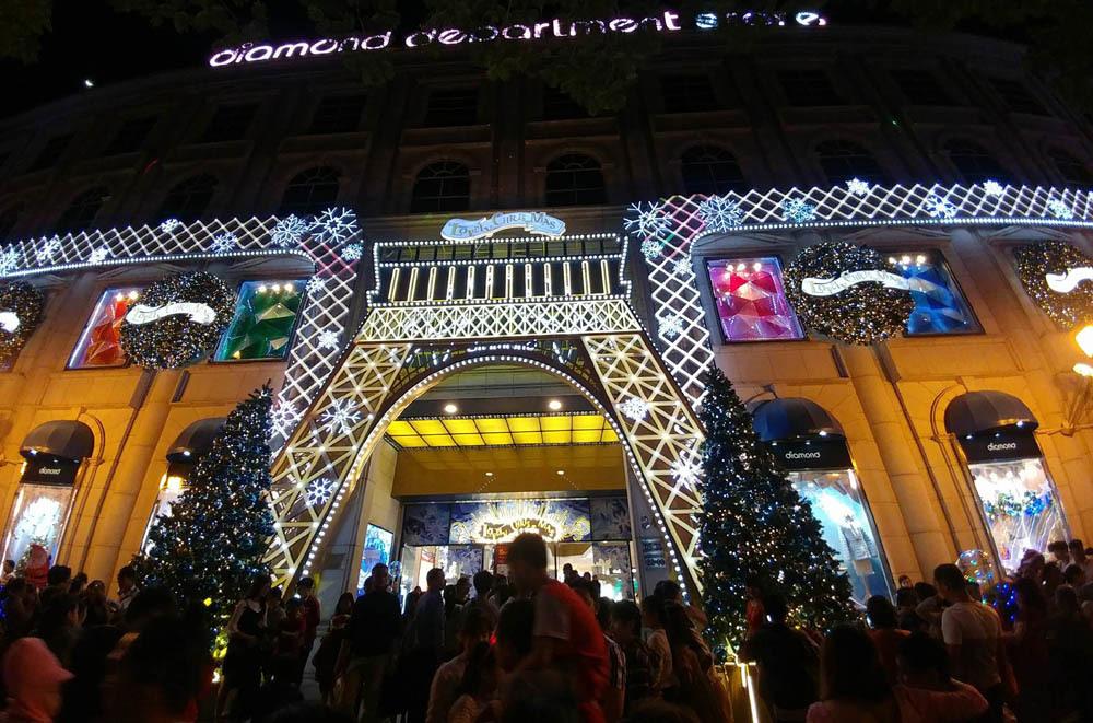 Noel,Giáng sinh,Sài Gòn,ùn tắc đêm Noel