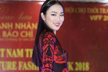 Áo dài Việt mở màn Tuần lễ thời trang Paris