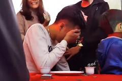 Sự thật chuyện chàng trai khóc nức nở trong đám cưới người yêu cũ