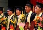 Chuyển làm phục vụ, cho nghỉ việc giảng viên không có bằng thạc sĩ
