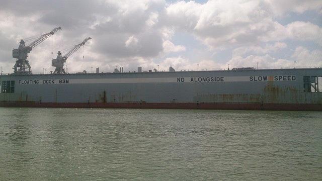 Nghịch lý máy bay triệu đô, tàu nghìn tỷ bán giá... sắt vụn!