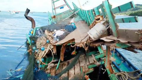 11 tàu cá trú bão ở Côn Đảo bị sóng đánh vỡ