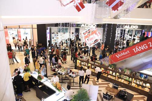 7 vạn lượt khách dự khai trương Vincom Plaza Nha Trang