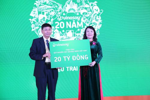 Vinasoy - 20 năm xây thương hiệu sữa đậu nành Việt