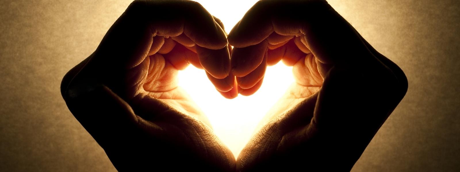 Sự tử tế,Vô cảm,vốn xã hội,phim nhảm,bạo lực,Văn hóa,đức tin