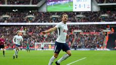 "Harry Kane ""nổ"" hat-trick, Tottenham đè bẹp Southampton"