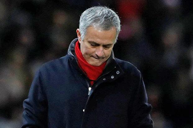 Sir Alex: Đừng mong Mourinho thay đổi!