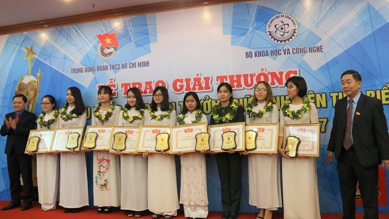 nữ sinh,sinh viên,giải thưởng,quả cầu vàng