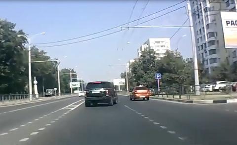Những pha tai nạn không tưởng lọt vào camera hành trình