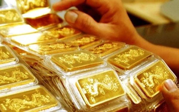 Giá vàng hôm nay 28/12: Vượt ngưỡng nhạy cảm, vàng lên đỉnh mới