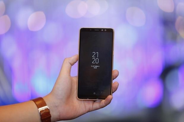 Galaxy A8 và A8+ chính thức ra mắt, camera Selfie kép