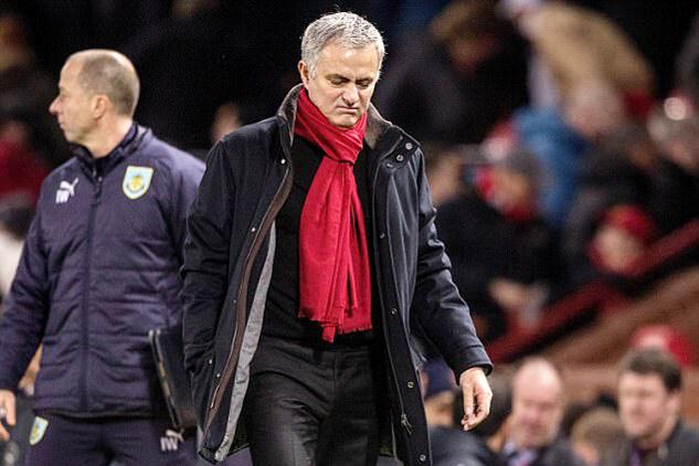 Mourinho lộng ngôn: Hễ MU sảy chân lại đổ vấy trách nhiệm
