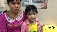 """Bé gái 6 tuổi có 3 năm kinh nghiệm """"chiến đấu"""" với bệnh ung thư"""