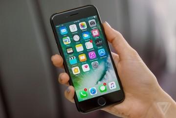 Apple đối mặt vụ kiện 1000 tỉ USD vì làm chậm iPhone