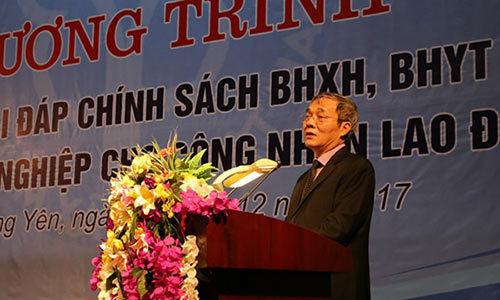Gần 1000 công nhân được tư vấn chính sách BHXH, BHYT
