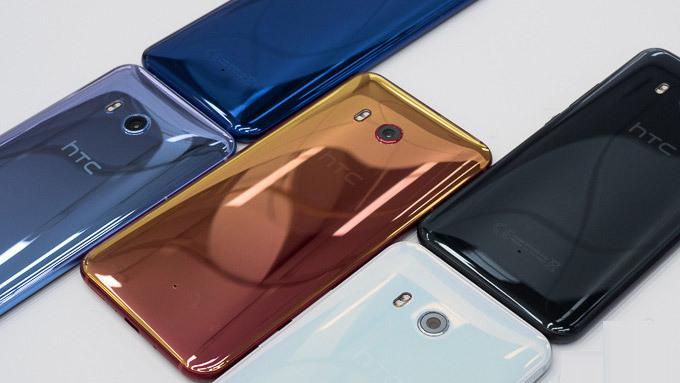 Chật vật kinh doanh, HTC tính giảm số smartphone ra mắt năm 2018