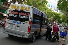 Bát nháo 'bến xe' giữa đường trung tâm Sài Gòn ngày cận Tết