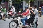 """Chở người bệnh, xe máy có được phép """"tăng ba""""?"""