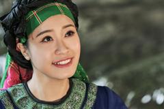 'Ca sĩ được yêu thích nhất' hát 'hit' của NSND Thanh Hoa