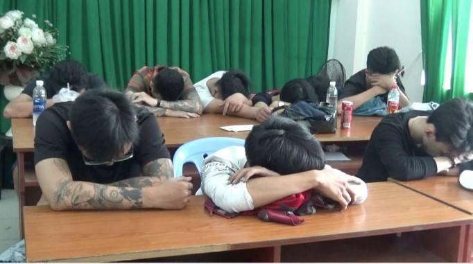 Đồng loạt kiểm tra nhiều tụ điểm ăn chơi ở Sài Gòn