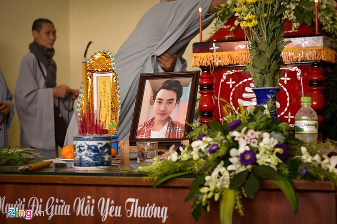 Lễ tang đẫm nước mắt của nam diễn viên Việt qua đời vì tai nạn