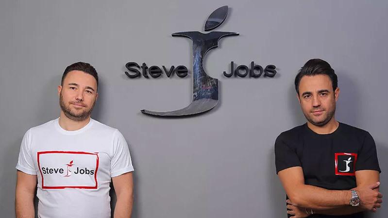 Apple bất lực nhìn công ty Italia sử dụng tên Steve Jobs