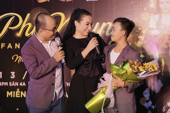 Con gái ruột Phi Nhung lần đầu công khai xuất hiện ở Việt Nam