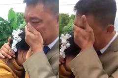 Cô dâu chia sẻ chuyện ôm bố khóc nức nở trong đám cưới ở Thanh Hóa