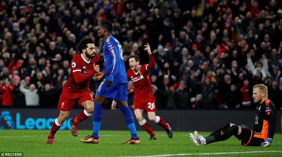 Salah 'lên đồng', Liverpool ngược dòng ngoạn mục hạ Leicester