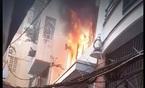 Giải cứu nữ Việt kiều trong đám cháy ở phố Bùi Viện