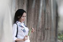 Sao Mai Khánh Ly kể về thời chăn trâu, nuôi lợn