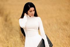 Yan My bỗng dịu dàng trong tà áo dài nữ sinh