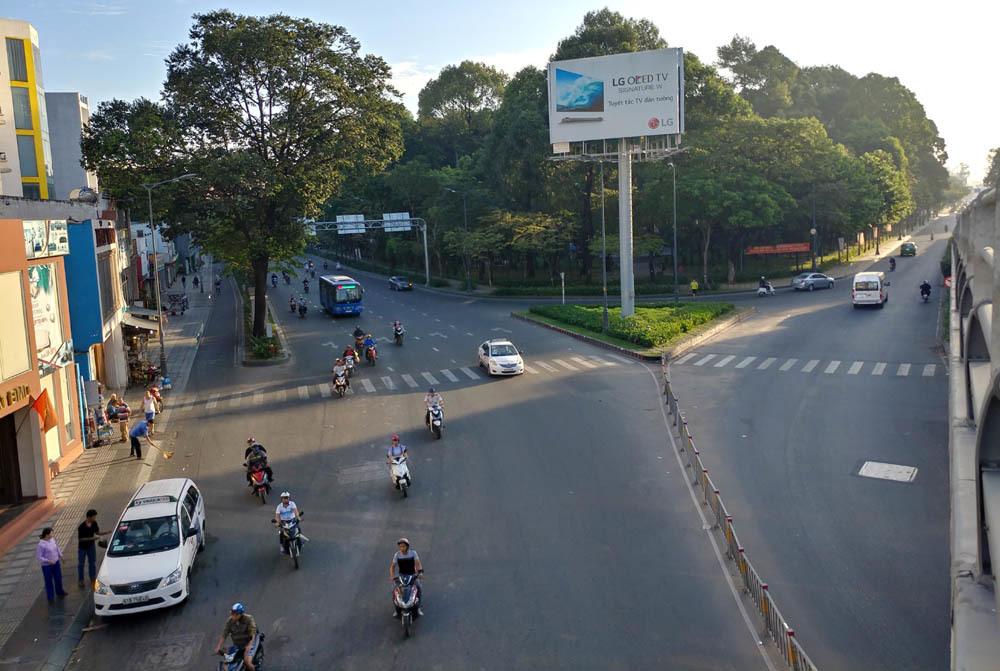 Sài Gòn yên bình sáng đầu năm mới 2018