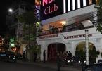 2 gái xinh mặc bikini múa cột trong quán bar ở Sài Gòn - ảnh 7