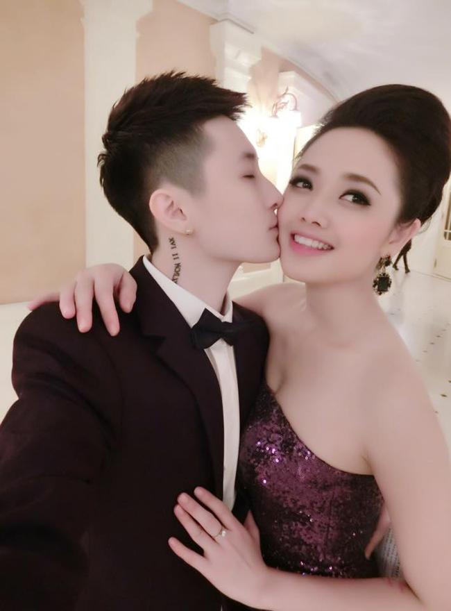Nữ MC yêu người đồng tính hơn 30 tuổi vẫn gợi cảm như thời son rỗi