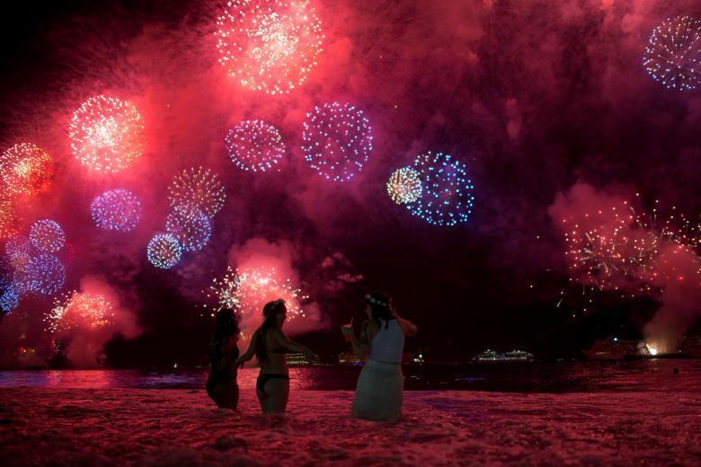 Ngắm những màn pháo hoa 'đã mắt' chào năm mới