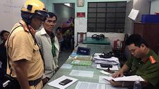 CSGT bắt tài xế Grab giật điện thoại của nữ du khách Thái Lan