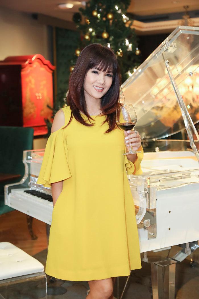 Hoa hậu áo dài Kiều Khanh