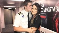 Phi công cầu hôn bạn gái tiếp viên ngay trên máy bay