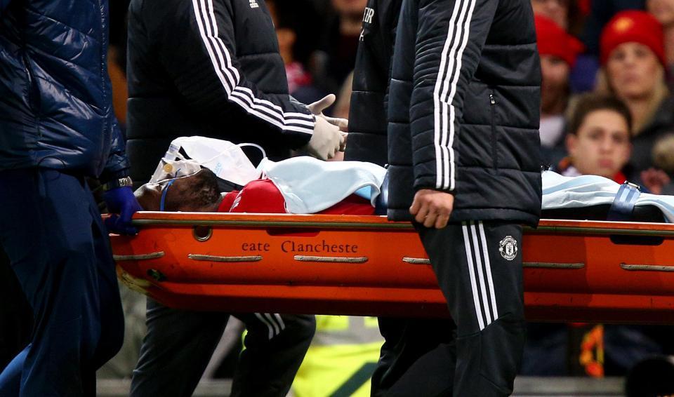MU đón tin cực vui về Lukaku, Martial 'đổ bệnh'