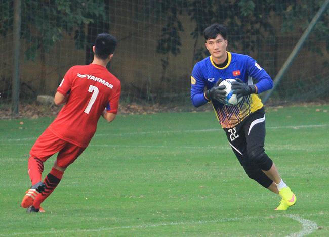 U23 Việt Nam: HLV Park Hang Seo... đau đầu, thầy nội phát thèm