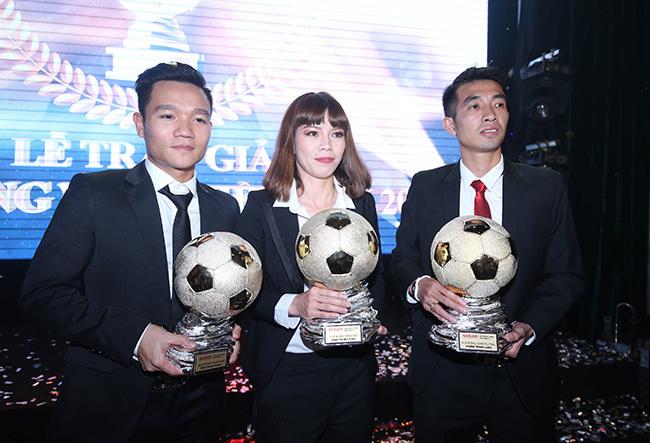 Đinh Thanh Trung đoạt Quả bóng vàng Việt Nam 2017