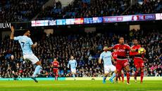 Đại thắng Watford, Man City bỏ xa MU 15 điểm