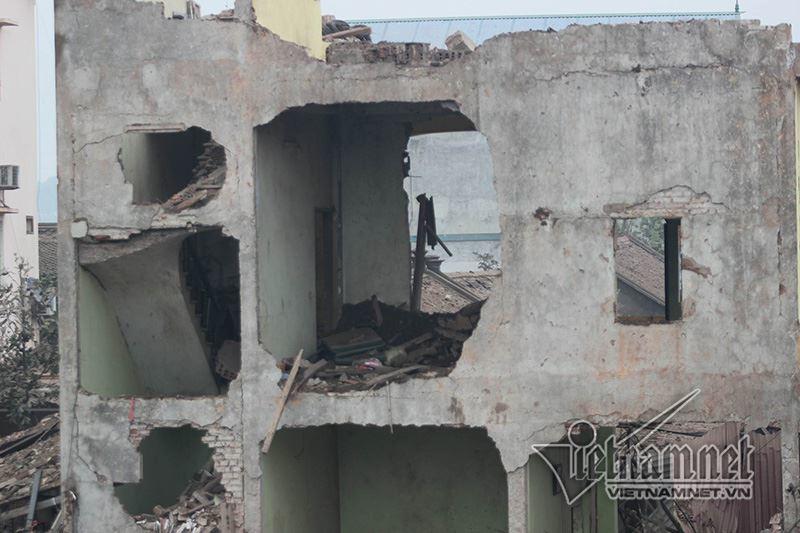 Nổ lớn ở Bắc Ninh: Tưởng động đất, cả nhà ôm nhau chạy