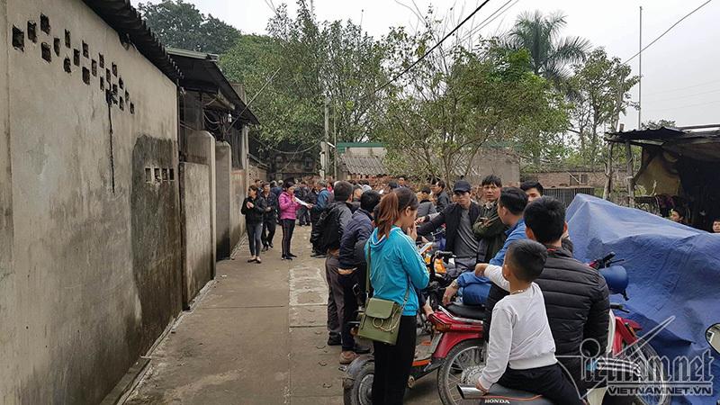 Nổ ở Bắc Ninh: Ôm vết thương tổ chức tang lễ cho con