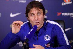 "Conte dằn mặt ""kẻ nổi loạn"" David Luiz: Biến đi cho khuất mắt!"