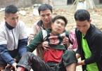 Nát tay vì nhặt đạn sau vụ nổ ở Bắc Ninh