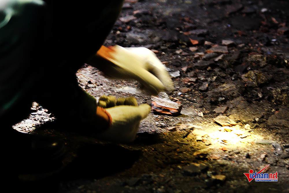 Nổ ở Bắc Ninh: Công binh soi đèn lần tìm vật thể lạ